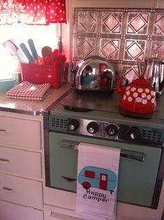 (image) Vintage Shabby Chic Camper ~ Glamper! (Glamorous Camper) ~~~ kitchenette ~ love the backsplash idea