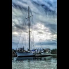 #florida #gulfshores #gulf #boat #sailboat #sailing #a #beautiful #camera #capture #edit #igdaily #landscape #light #outdoors #sky #water #tweegram #saltlife #clouds by artsy.esther