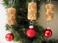 Wine Cork Christmas Ball Ornaments by MtMeadowsCrafts on Etsy (Bottle Rack Christmas Trees) Wine Craft, Wine Cork Crafts, Wine Bottle Crafts, Wine Bottles, Snowman Christmas Ornaments, Christmas Crafts, Wine Cork Christmas Trees, Christmas Candy, Handmade Christmas
