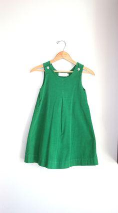 70s Vintage KELLY GREEN Girls Jumper Dress.....size 6 girls....kids. children. toddler. green dress. 70s retro kids. pleated.. $14.00, via Etsy.
