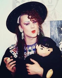 , My name is, Christian. I'm in love with Boy George and I enjoy writing stories, songs, and singing. Boy George, Pete Burns, Dream Catcher Earrings, Culture Club, 80s Music, Many Faces, Live Music, My Boys, Vintage Fashion