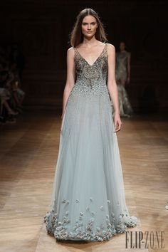 Tony Ward Otoño-Invierno 2014-2015 - Alta Costura - http://es.flip-zone.com/fashion/couture-1/independant-designers/tony-ward-4807
