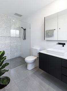 Small Bathroom With Shower, Tiny House Bathroom, Bathroom Ideas, Small Bathrooms, Bathroom Organization, Master Bathrooms, Bathroom Trends, Simple Bathroom, Slate Bathroom