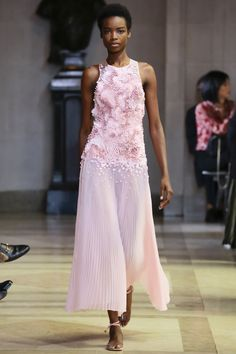 Carolina Herrera Spring 2016 Ready-to-Wear Fashion Show - Maria Borges