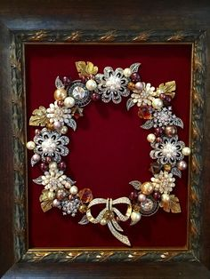 Diy christmas tree costume old jewelry IdeasYou can find Vintage jewelry crafts and more on our website.Diy christmas tree costume old jewelry Ideas Costume Jewelry Crafts, Vintage Jewelry Crafts, Vintage Jewellery, Antique Jewelry, Fancy Jewellery, Recycled Jewelry, Antique Gold, Jewelry Frames, Jewelry Tree