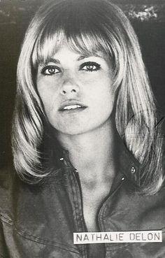 Nathalie Delon Alain Delon, 70s Icons, Romy Schneider, Audrey Hepburn, Film, Golden Age, Actresses, Crayon, Celebrities