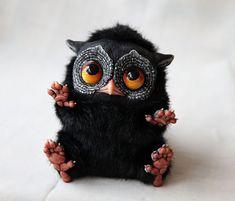 Tiny GRIFFINS by Santani http://www.boredpanda.com/creepy-cute-fantasy-dolls-santani/ life like fantasy toy animals