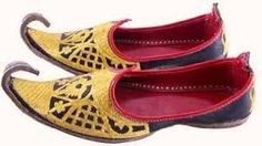 Latest Khussa Design footwear for Men Latest Pakistani Fashion, Indian Men Fashion, Mens Flip Flops, Gents Shoes, Best Shoes For Men, Luxury Shoes, Indian Outfits, Flip Flop Sandals, Wedding Shoes