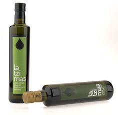 Label designed by Aggelos Grontas for a extra extra virgin olive oil by Latzimas, distributed by Mono Moso