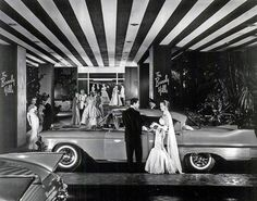 A 1957 Cadillac at the Beverly Hills Hotel in Beverly Hills, California. Hollywood Vintage, Old Hollywood Glamour, Golden Age Of Hollywood, Classic Hollywood, Hollywood Regency, Beverly Hills Hotel, The Beverly, Beverly Hilton, Rockabilly