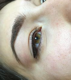 Eyeliner Tattoo, Makeup Tattoos, Trudie Styler, Natural Eyeliner, Permanent Eyeliner, Eyelash Enhancer, Microblading Eyebrows, Young And Beautiful, Simple Makeup