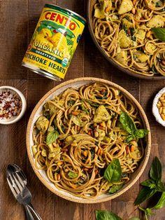 The BEST Vegan Spinach Artichoke Pasta made with a vegan basil cream sauce. This easy Summer Pasta Recipes, Vegetarian Recipes Dinner, Vegan Dinners, Vegan Vegetarian, Vegan Recipes, Spinach Artichoke Pasta, Whole Wheat Spaghetti, Vegan Pasta, Artichokes
