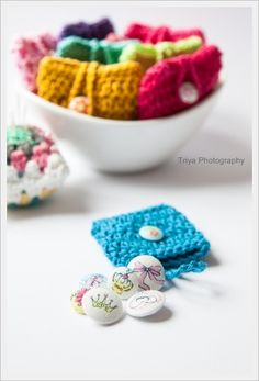 These handmade fabric buttons are a perfect touch to your arts and crafts!! @sweetcrochet.nl