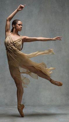 Misty Copeland Ballet Dancers, Black Dancers, Shall We Dance, Lets Dance, Black Ballerina, Ballerina Body, Dance Photography, Dance Pictures, American Ballet Theatre