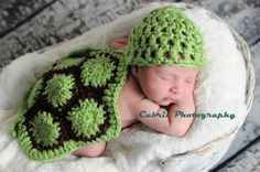 Newborn photo prop-crochet turtle set-baby turtle prop-turtle cape-turtle beanie-knit turtle set