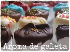 Nubes con chocolate. Núvols amb xocolata. Marshmallows dipped in chocolate