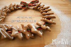 Mar&Vi Blog: Biscotti di zenzero: ricetta e decorazioni facili Creative Studio, Holiday Treats, Place Cards, Place Card Holders, Cookies, Food, Christmas Recipes, Budapest, Health