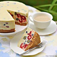 Tvarohový dezert s bielou čokoládou a ovocím