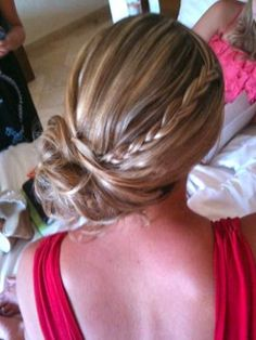 Cute hair idea for one of the many weddings I'm going to this summer.