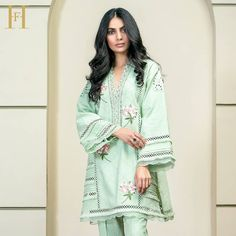 Flower Bunch Khadar shirt with Laces and Organza detailing as well as Farida Hasan's signature floral embroidery. For queries and orders,… Black Pakistani Dress, Pakistani Formal Dresses, Pakistani Fashion Casual, Pakistani Dress Design, Dress Designs For Girls, Stylish Dress Designs, Stylish Dresses, Fashion Dresses, Net Dress Design