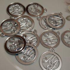 20 Medalhas Para Convites e Caixas Personalizadas em Acrílico Espelhado Prateado com as Iniciais que o Cliente Desejar