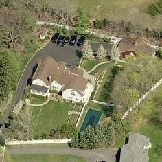 Hillarys house walled up