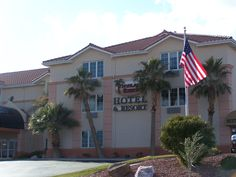 Highland Estates Hotel in Mesquite, NV! Bbq Area, Home And Away, Nevada, Golf Courses, Relax, Outdoor Decor, Keep Calm