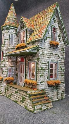 Greggs Miniature Imaginations is dedicated to different craft projects that I am inspired to create, from my unstoppable imagination and love of miniatures. Haunted Dollhouse, Haunted Dolls, Dollhouse Miniatures, Miniature Fairy Gardens, Miniature Houses, Clay Houses, Doll Houses, Gnome House, Winter Painting