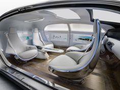 Automóveis mais seguros e confiáveis, veículos híbridos, elétricos e que andam sozinhos. Em que as indústrias tecnológica e automotiva pegam carona uma na outra e em que colidem?