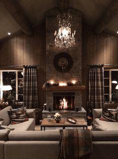 Modern Cabin Interior, Modern Rustic Homes, Rustic Home Design, Home Interior Design, Cabin Homes, Log Homes, Mountain Home Exterior, Cabin Interiors, Cozy Room