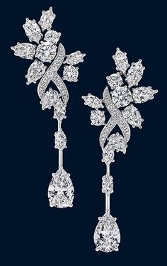 Secret Cluster by Harry Winston, Diamond Earrings. Now don't these pair up well with the little old diamond necklace? Harry Winston, Diamond Jewelry, Diamond Earrings, Stud Earrings, Cluster Earrings, Diamond Studs, Luxury Christmas Gifts, Luxury Gifts, Antique Engagement Rings