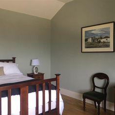 Farrow & Ball - p Mizzle Farrow Ball, Farrow And Ball Paint, Bedroom Wall Colors, Bedroom Decor, Master Bedroom, Bedroom Ideas, Lounge, Interior Walls, Interior And Exterior