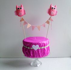 Owl cake topper for your birthday party.  Two pink owls with a bunting banner. Lovely handmade from felt and paper.