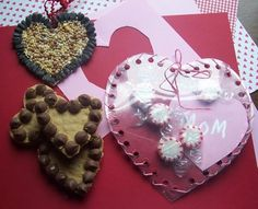Heart candy holder valentine using projector paper Valentines Day Crafts For Preschoolers, Preschool Valentine Crafts, Preschool Art Projects, Classroom Crafts, Classroom Ideas, Christmas Arts And Crafts, Holiday Crafts For Kids, Kids Crafts, Holiday Fun