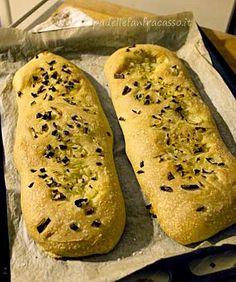 schiacciate di pane alla cipolla