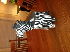 Zebra Valentine box Cool Valentine Boxes, Be My Valentine, Cow Print, Animal Print Rug, Diy Valentine's Mailbox, Crafts For Kids, Lovey Dovey, Zebras, Holiday Ideas