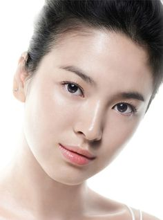 Hye Kyo's Flawless skin