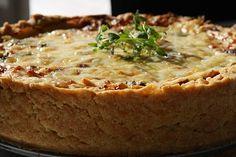 Paj med ost, skinka och broccoli - Jennys Matblogg Brunch Party, Creme Fraiche, Something Sweet, Quiche, Broccoli, Banana Bread, Mozzarella, Food And Drink, Health Fitness