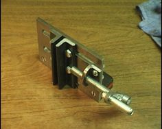 Bandsaw Vise by Captainleeward -- Homemade bandsaw vise constructed from aluminum and steel. http://www.homemadetools.net/homemade-bandsaw-vise