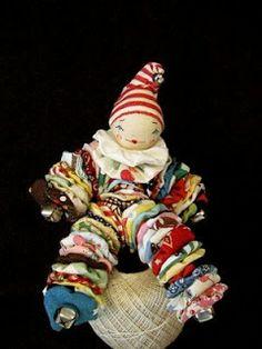 Yo-yo clown doll