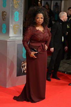 Bafta premios del cine en el Reino Unido /16.02.2014.Oprah Winfrey, que no consiguió el premio a mejor actriz secundaria por El Mayordomo, elige este modelo borgoña de Stella McCartney