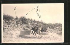 old postcard: Foto-AK Sandplastik: Wählt Liste 2, Hakenkreuz