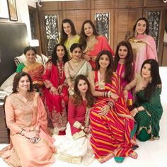 Sridevi, Raveena Tandon, Shilpa Shetty, Neelam look radiantly beautiful for their Karwa Chauth - view pic Indian Bollywood, Bollywood Stars, Bollywood Fashion, Bollywood Heroine, Bollywood Actress, Indian Celebrities, Bollywood Celebrities, Shilpa Shetty, Popular Actresses