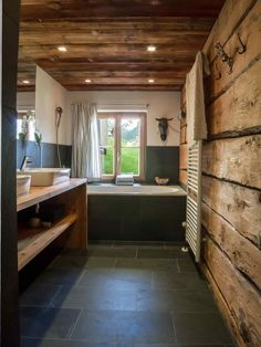 Get inspired - Wohnung - Chalet Design, House Design, Reading Room Decor, Cabin Bathrooms, Underfloor Heating, Cottage Interiors, House Rooms, Cabana, Interior Design Living Room