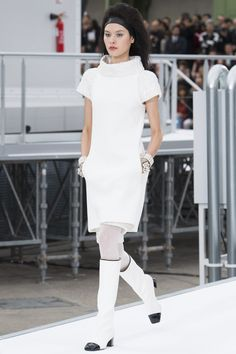 Chanel Fall 2017 Ready-to-Wear Fashion Show - Angelica Erthal