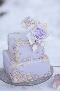 Square Wedding Cakes That Wow! 42 Square Wedding Cakes That Wow! - Square Wedding Cakes That Wow! - - 69 Ideas Vintage Wedding Cake Romantic purple detail Gold and Lavender Bas Relief cake Whimsical Wedding Cakes, Mini Wedding Cakes, Square Wedding Cakes, Beautiful Wedding Cakes, Gorgeous Cakes, Wedding Cake Designs, Pretty Cakes, Square Cakes, Wedding Ideas