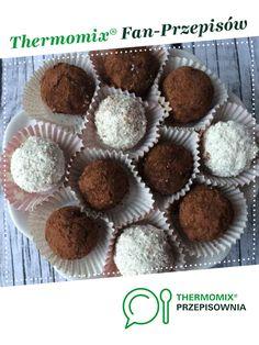 Orzechowo-daktylowe kulki mocy jest to przepis stworzony przez użytkownika Dziewczyna Informatyka. Ten przepis na Thermomix<sup>®</sup> znajdziesz w kategorii Desery na www.przepisownia.pl, społeczności Thermomix<sup>®</sup>. Muffin, Breakfast, Food, Thermomix, Morning Coffee, Essen, Muffins, Meals, Cupcakes