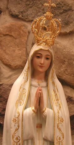 Our Lady of Fatima- how beautiful she is...