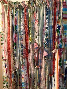 #FabricCutter Diy Tassel Garland, Rag Garland, Fabric Garland, Fabric Strip Curtains, Fabric Strips, Curtain Fabric, Bohemian Curtains, Colorful Curtains, Rideaux Boho