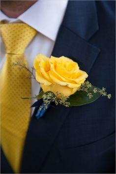 yellow rose boutonniere @weddingchicks